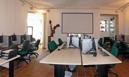 A aula de informática da Guarda ofrece novos cursos de iniciación en xuño