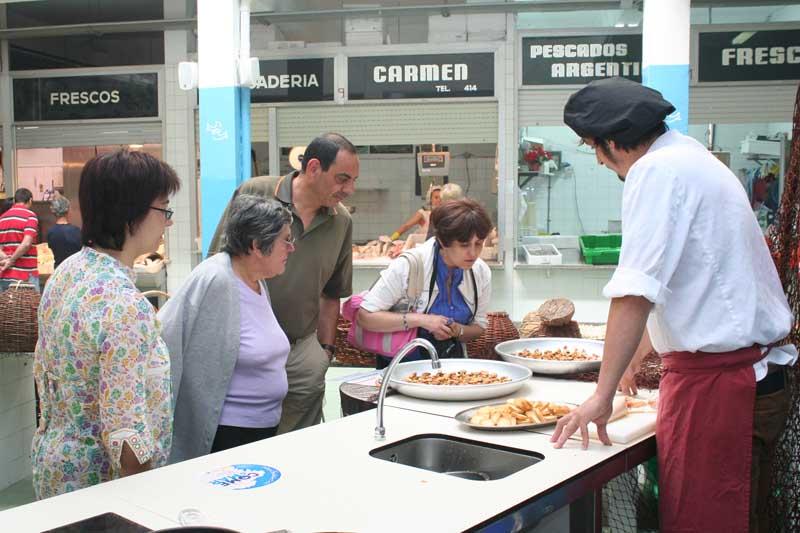 O pasado xoves día 18 de outubro celebrouse a Xunta de Goberno local na que se acordou o inicio da tramitación para a licitación da concesión dos postos baleiros da Praza de Abastos da localidade.