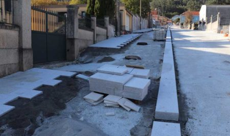 As obras de urbanización da Subida a San Amaro en Camposancos avanzan segundo as previsións