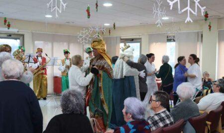 Os Reis Magos visitaron a Residencia Monte Santa Tecla