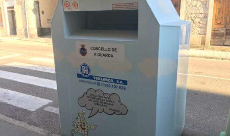 O Concello da Guarda instala 5 contedores de recollida de roupa usada