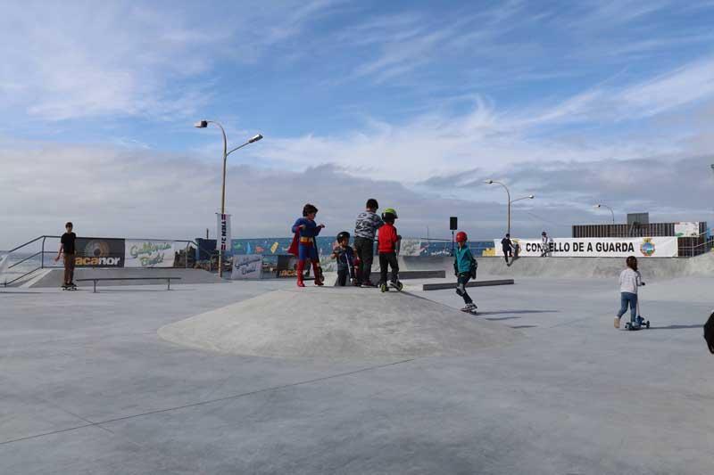 O pasado sábado día 2 de marzo celebrouse a apertura oficial da nova infraestrutura deportiva na zona da Atalaia no Porto da Guarda, cunha programación de actividades que comezaron ás 10:00h da mañá e que se prolongaron ata a tardiña.