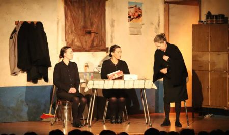 A representación teatral de «Bernarda» encheu o Centro Cultural da Guarda