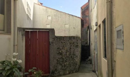 O Concello da Guarda mellora a accesibilidade da Rúa Baixo Muro para por en valor a Muralla Medieval