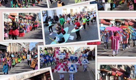 A Guarda deu a benvida ao Entroido 2020 cun espectacular e colorido desfile dos coles