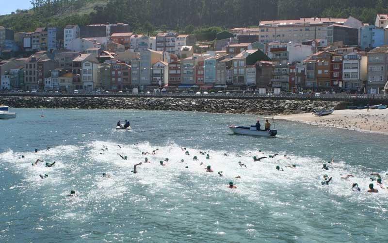 O vindeiro venres día 29 de xuño péchase o prazo de inscricións para participar na XXIII Travesía a Nado do Porto da Guarda, que terá lugar o sábado 7 de xullo, coincidindo coa Festa da Langosta e da Cociña Mariñeira.