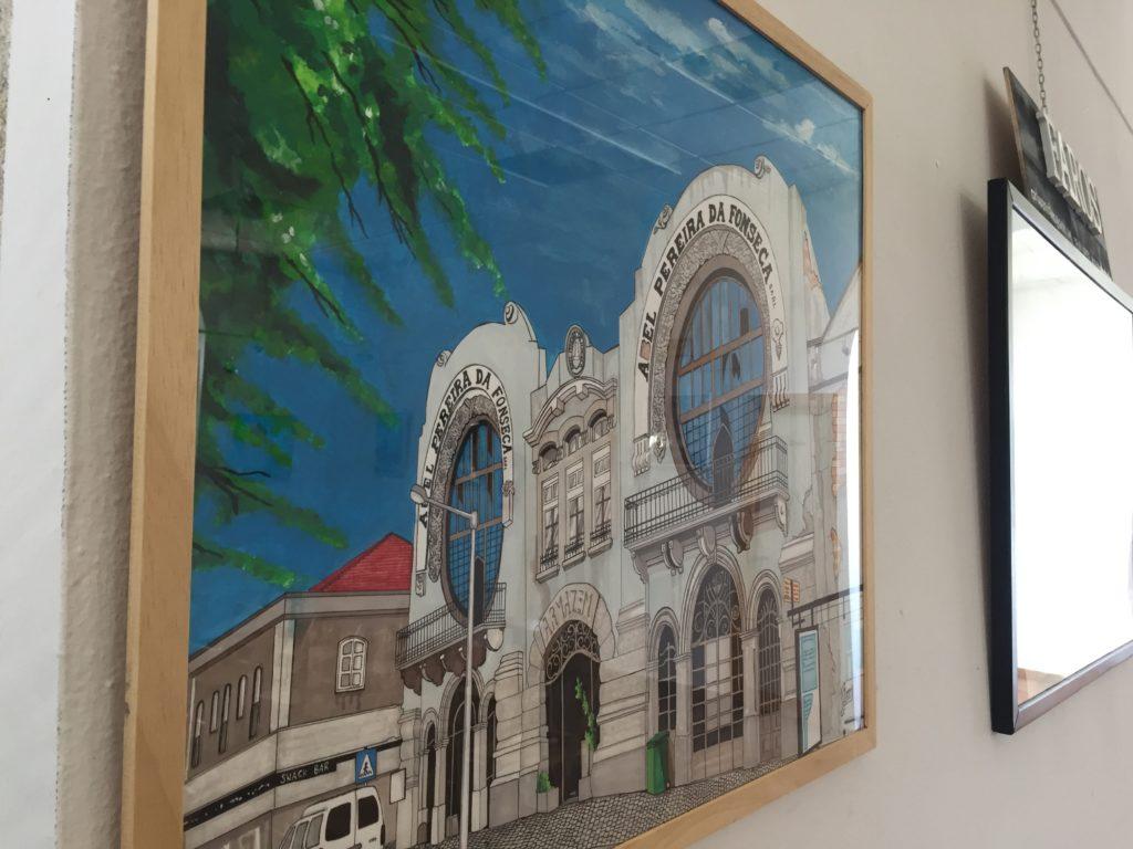 Faros de Galicia é unha exposición de pinturas de Carlos Ramos Fernández presente no Centro Cultural da Guarda ata o vindeiro 7 de xullo.