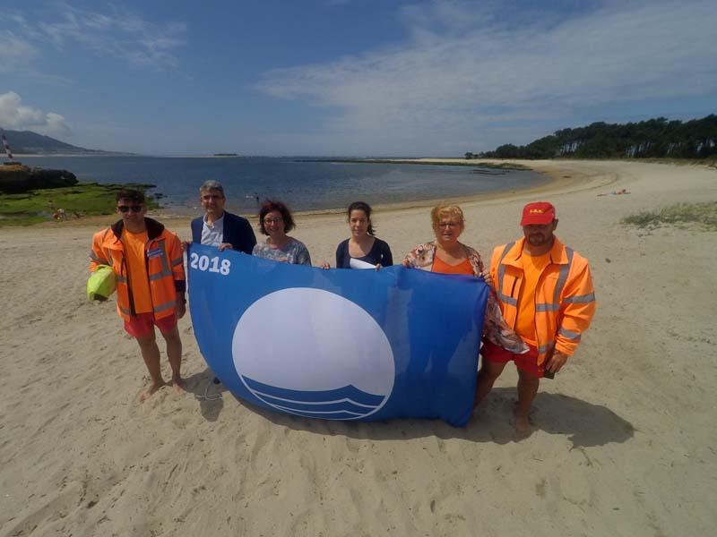 O martes 3 de xullo tivo lugar o acto de izamento das Bandeiras Azuis nas praias de Area Grande e O Muíño coas que se marca o comezo da temporada de verán nestas dúas praias recoñecidas da Guarda.