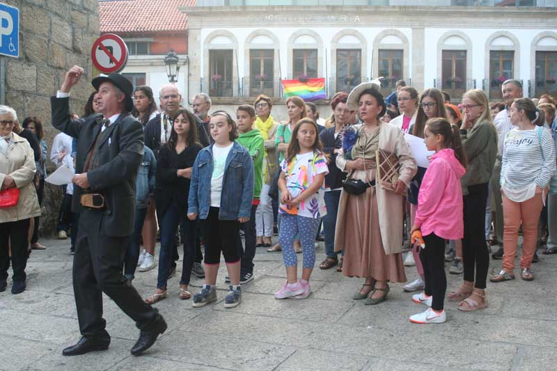O pasado xoves día 5 de xullo, comezou na vila da Guarda a programación de visitas teatralizadas que se repetirá semanalmente os xoves ás 21:00h durante todo o verán ata o 30 de agosto, agás os xoves 19 de xullo e 9 de agosto.