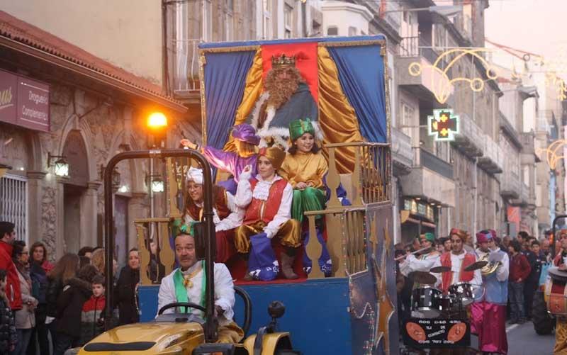 A programación de Nadal remata esta fin de semana na Guarda coa visita dos Reis Magos á Residencia de Maiores e a súa participación na Cabalgata Cabalgata de Reis. Ademais tamén segue aberta ata este domingo a Pista de Xeo na Alameda.