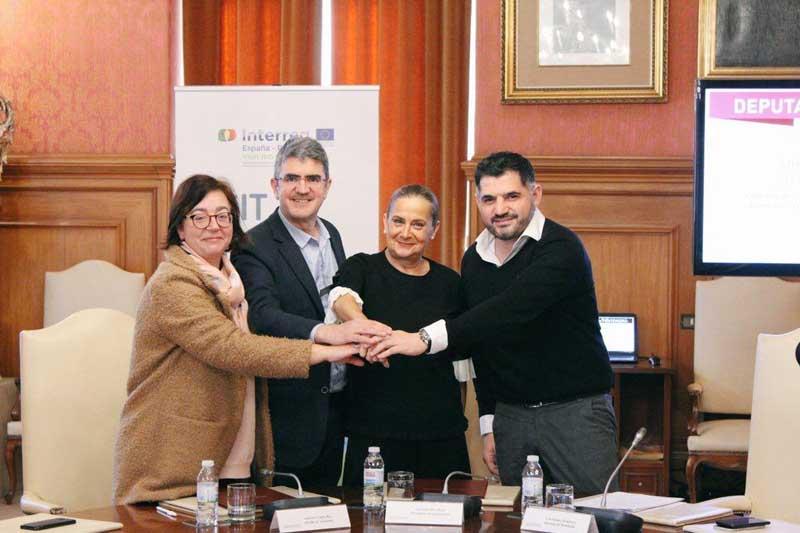 O pasado venres día 1 de febreiro a Deputación de Pontevedra e o Concello de A Guarda asinaron o convenio para o acondicionamento dos accesos á praia de O Muíño, porta do espazo natural protexido do Esteiro do Río Miño.