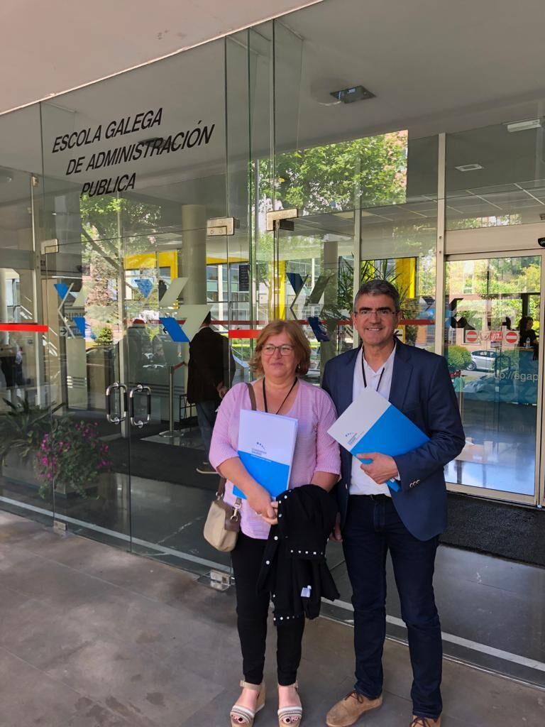 O alcalde da Guarda, Antonio Lomba, xunto coa concelleira de asuntos sociais, Tere Vicente asistiron o xoves día 2 de maio á Asemblea Xeral do Consorcio Galego de Igualdade e Benestar.