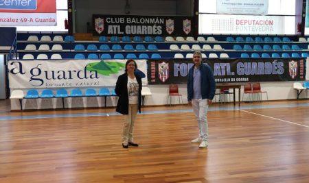 O Concello da Guarda renova o pavimento do Pavillón Municipal da Sangriña